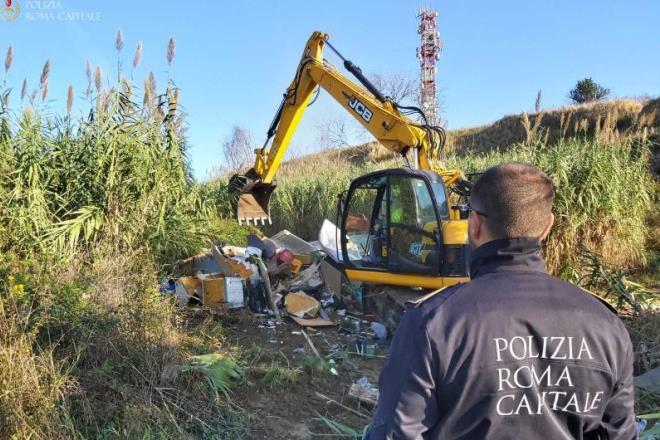 Parco della Caffarella: sgomberi dell'area occupata